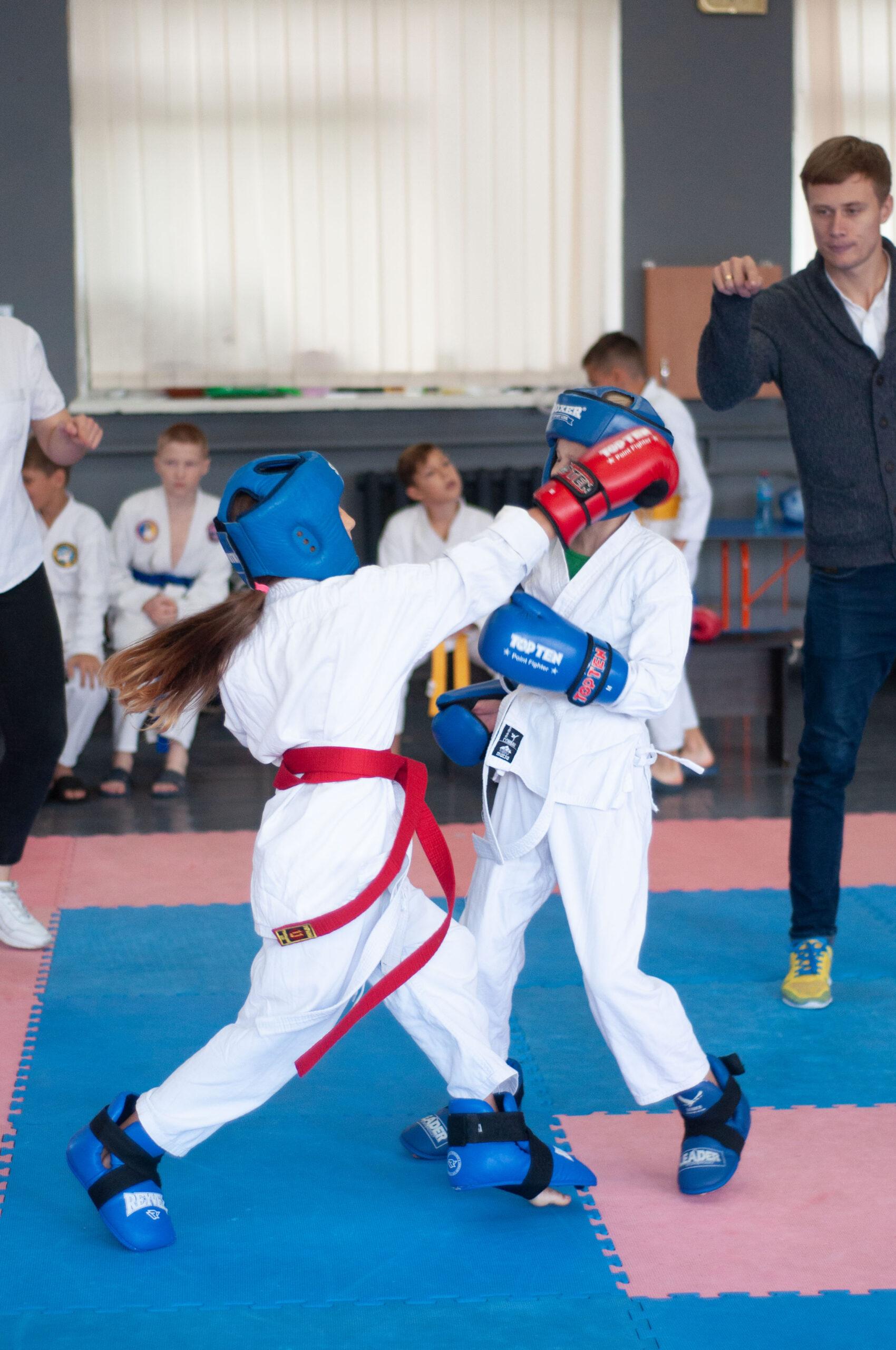Юные рукопашники из Чернигова соревновались за звание сильнейшего